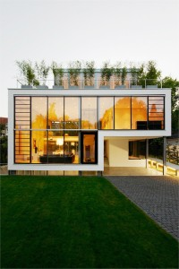 langai į namą